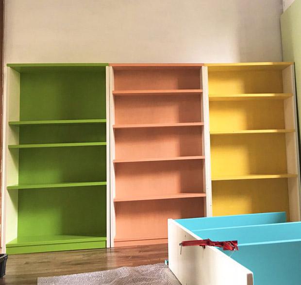 並んだ本棚